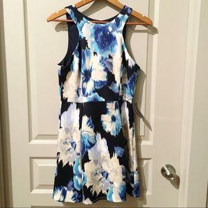 NWT‼️Sz 11 Scuba Fabric Floral Dress